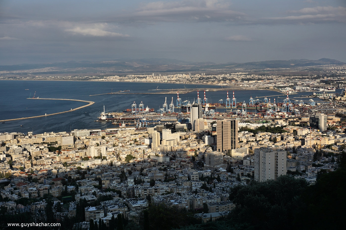 A new port is under construction on a crucial spot of Haifa Bay