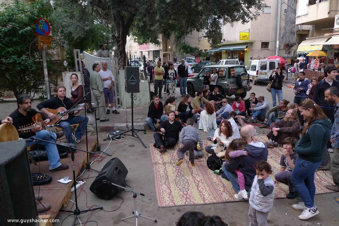 Street Party - A community initiative which is hardly adopted by the municipality