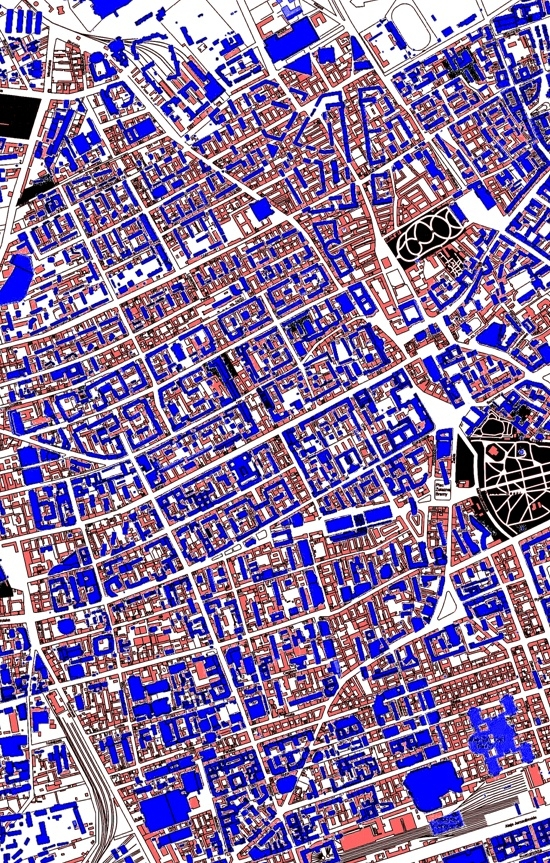prewar buildings (red) and current buildings (blue) in Warsaw