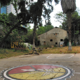 Sarona Tel Aviv 2006 – Exploring an abandoned military unit in a former German Templer colony