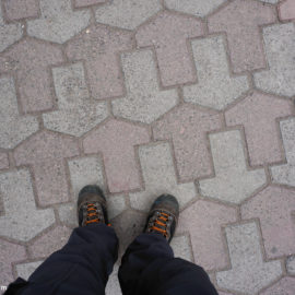 Soviet pavement tiles – walking on repetitive geometry