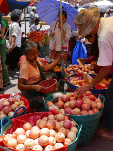 Don't take markets out of downtown Yangon, solve transportation issues !